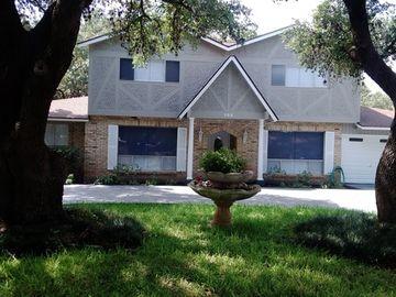 105 Amerson Ln, Castle Hills, TX, 78213,