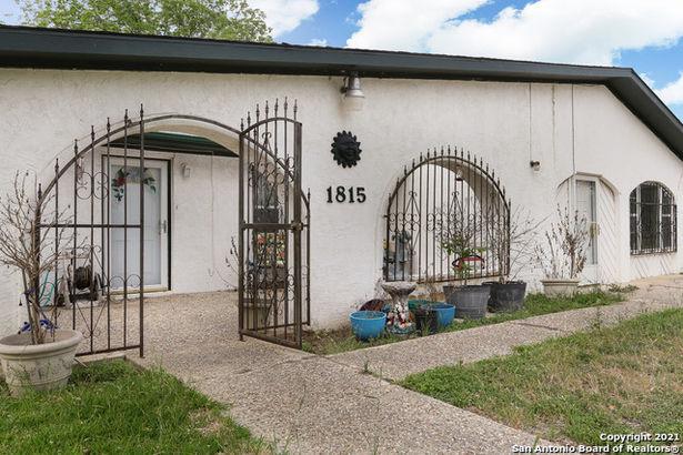 1815 Gaddis Blvd