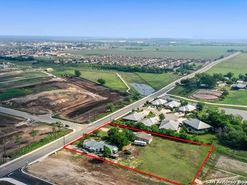 310 Alves, New Braunfels, TX, 78130,
