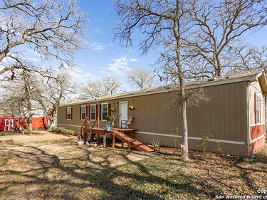 555 Windmill Circle, Kingsbury, TX, 78638,