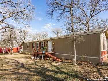 555 Windmill Circle, Kingsbury, TX, 78638,