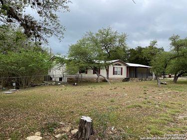 1400 ELMHURST DR, Lakehills, TX, 78063,
