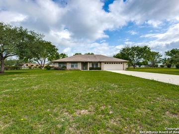 118 Victorian Circle, Marion, TX, 78124,