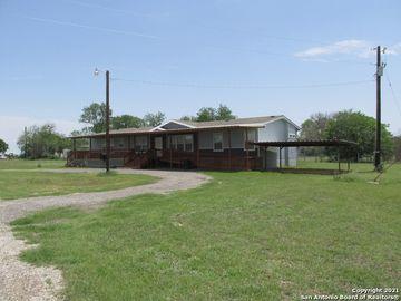 371 S Sassman, Marion, TX, 78124,