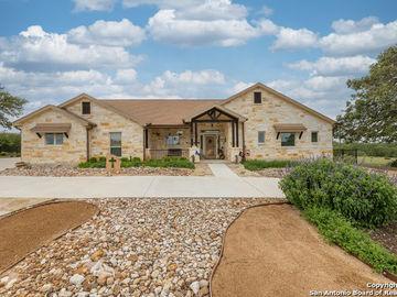 100 Riley Wood, Blanco, TX, 78606,