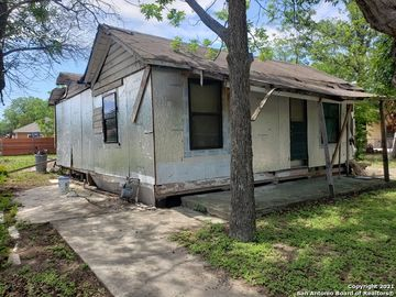 1402 W GERALD AVE, San Antonio, TX, 78211,