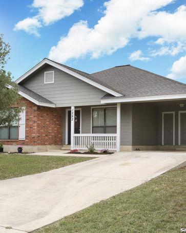 1293 A ST Floresville, TX, 78114