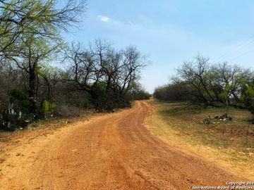 000 County Road 314, Charlotte, TX, 78011,