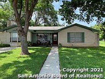 1706 24th St, Hondo, TX, 78861,