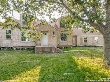 588 SASSMAN RD, Marion, TX, 78124,