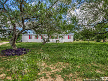 1380 SOUTHVIEW, Lytle, TX, 78052,