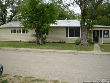 1501 AVENUE J, Hondo, TX, 78861,