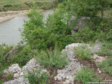 561 County Rd 121, Hondo, TX, 78861,