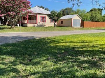 502 8th St, Bandera, TX, 78003,