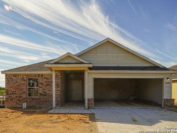 1105 Amber Lake, Seguin, TX, 78155,