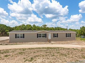 1050 Wright Dr, Bandera, TX, 78003,