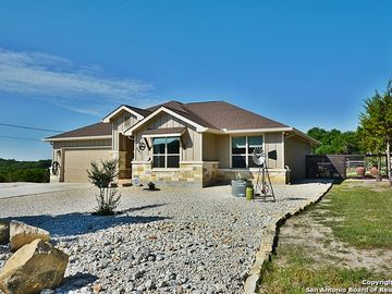 561 COMPASS ROSE, Canyon Lake, TX, 78133,