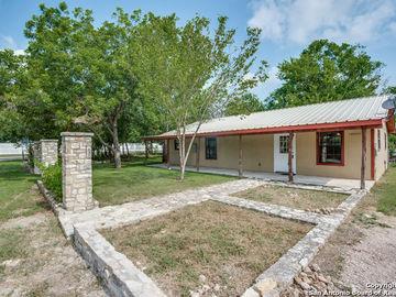 106 Mesquite St, Blanco, TX, 78606,