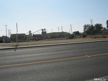 302 E Hazelton Avenue, Stockton, CA, 95203,