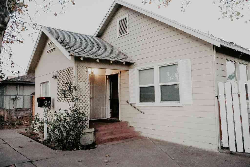 4991 44th Street, Sacramento, CA, 95820,