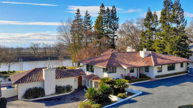 6575 Garden Hwy, Sacramento, CA, 95837,