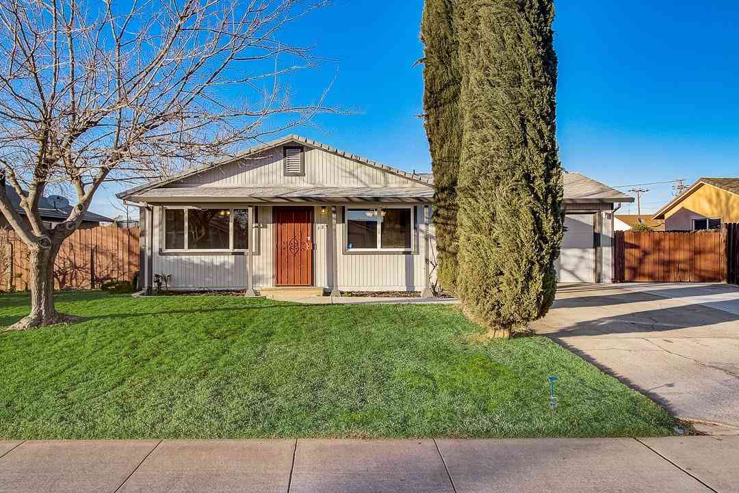 129 Sunshine Drive, Galt, CA, 95632,