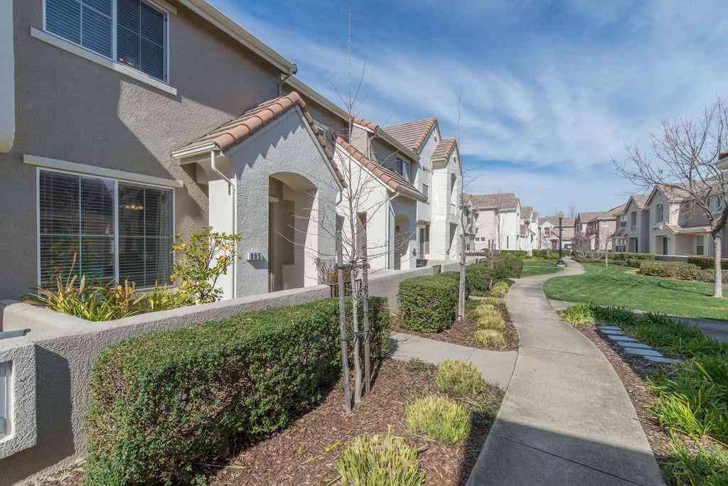 805 Esplanade Circle #805, Folsom, CA, 95630,