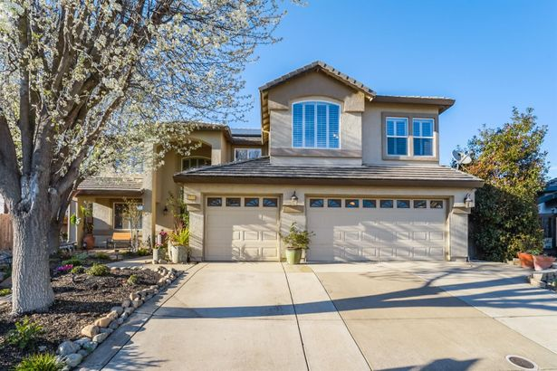 9520 Dusty Trails Place