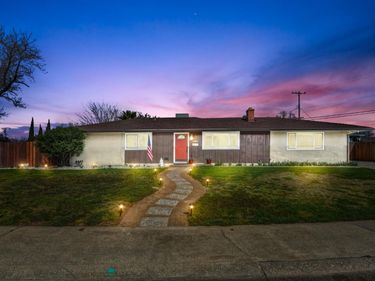 1401 Gregory Way, Roseville, CA, 95661,