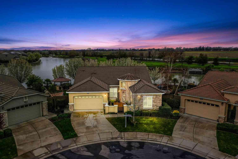 45 Riposto Place, Sacramento, CA, 95834,