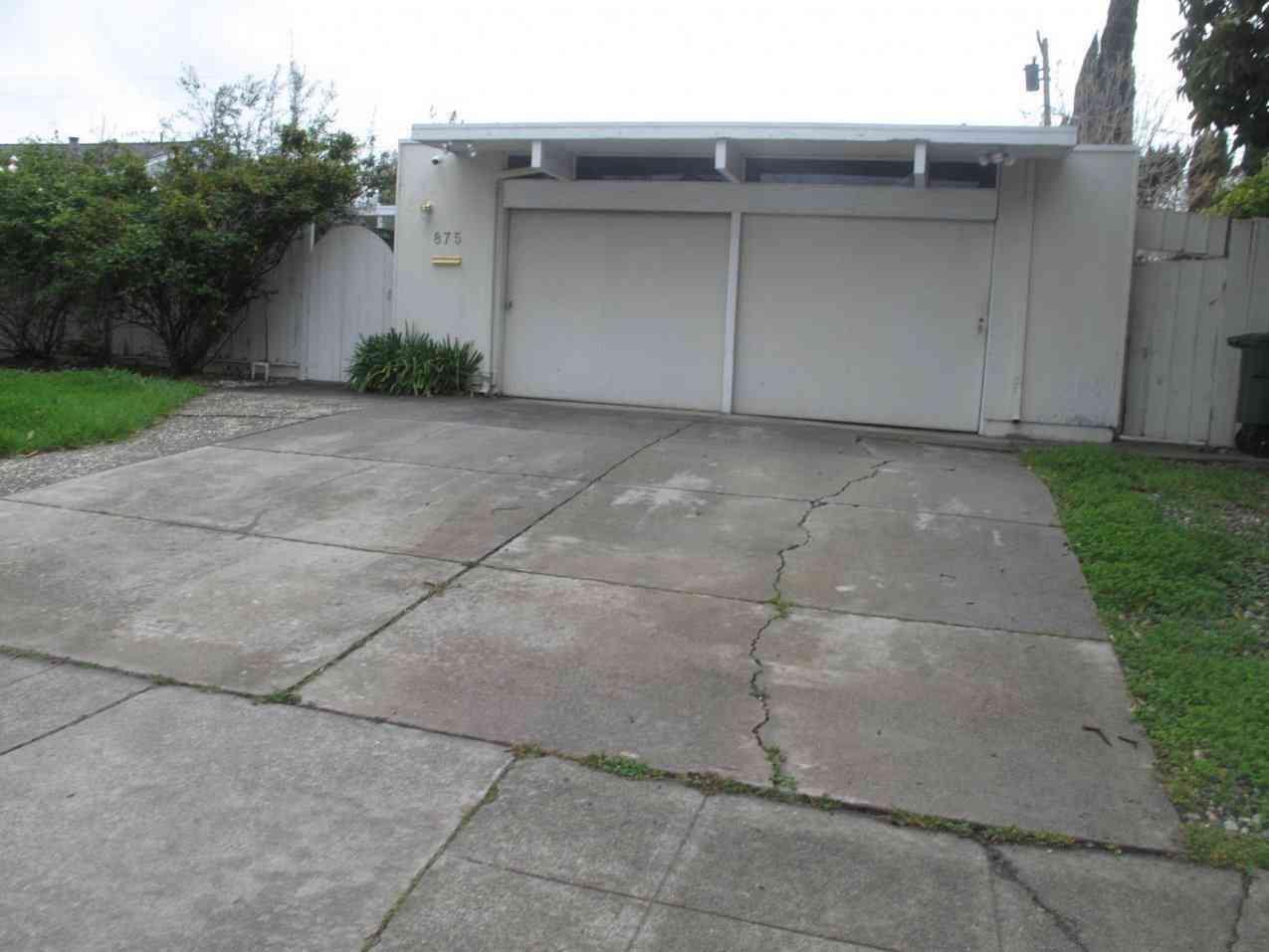 875 S Tantau Avenue, Cupertino, CA, 95014,
