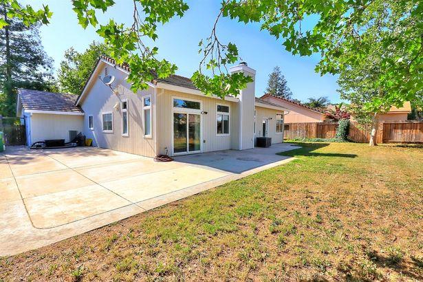 141 S Emerald Oak Drive