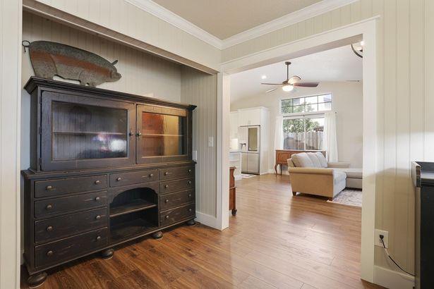 156 S Emerald Oak Drive