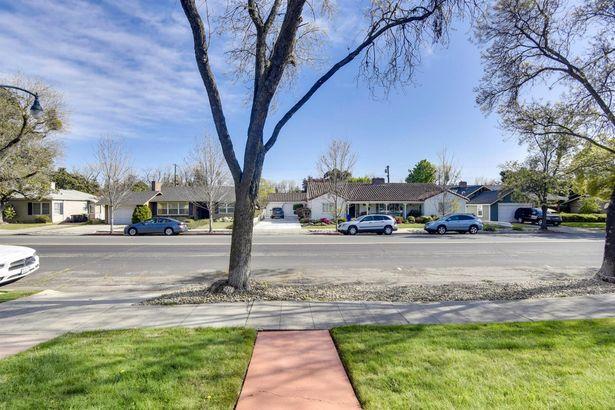 825 W Alpine Avenue