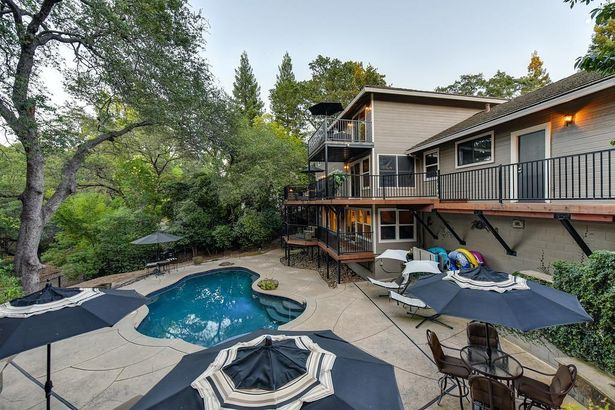 141 Water View Way