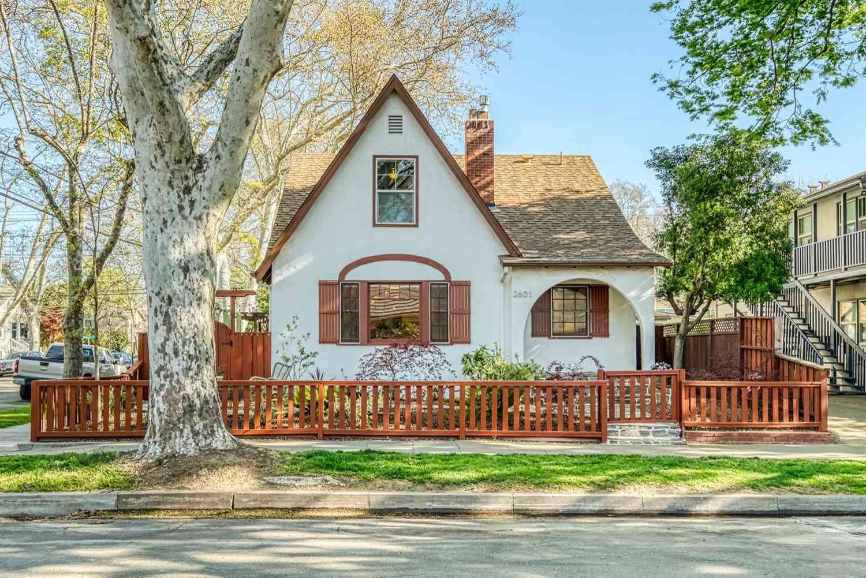 2601 D Street, Sacramento, CA, 95816,