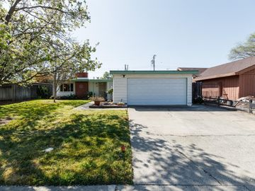 8890 Halverson Drive, Elk Grove, CA, 95624,