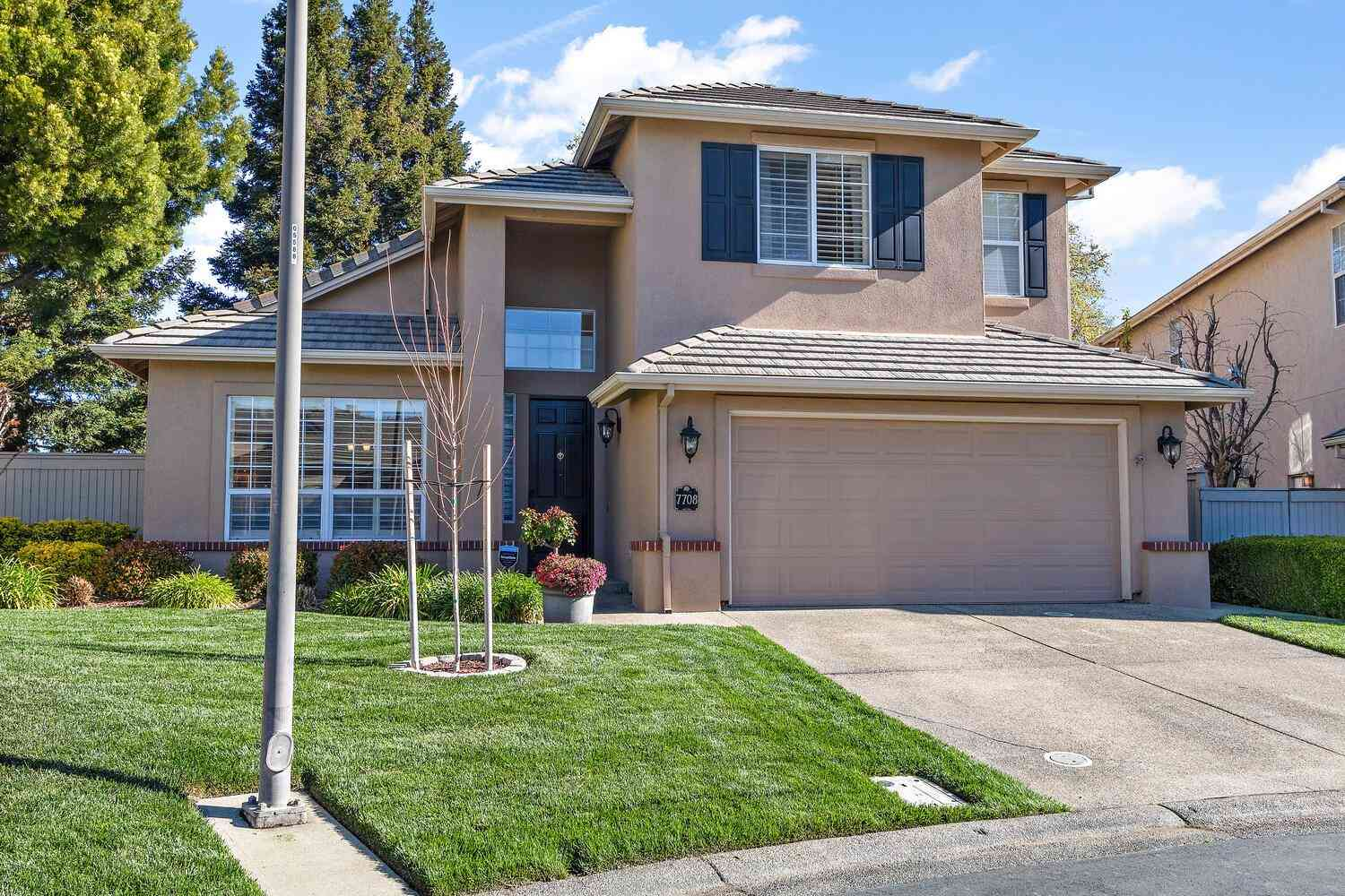 7708 River Grove Circle, Sacramento, CA, 95831,