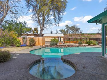 719 Clipper Way, Sacramento, CA, 95831,