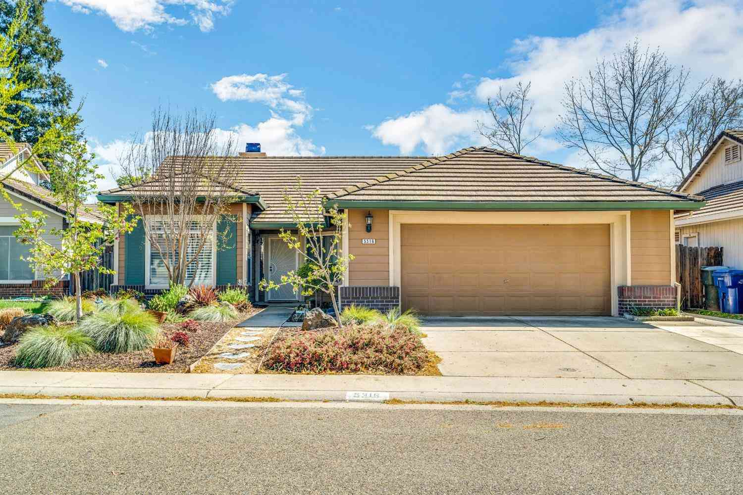 5316 Helensburgh Place, Antelope, CA, 95843,