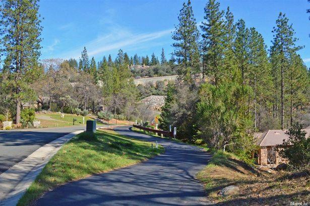 1451 Lodge View Drive