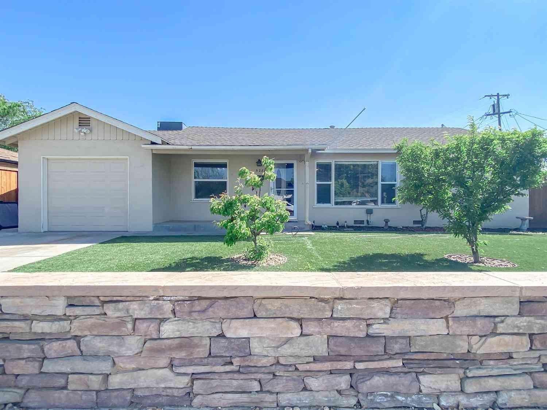528 Oregon Street, Manteca, CA, 95337,