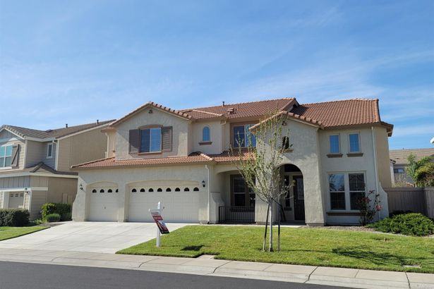 7805 Cordially Way