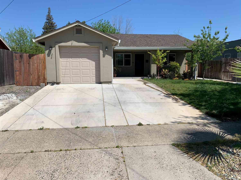 208 Fig Street, Roseville, CA, 95678,