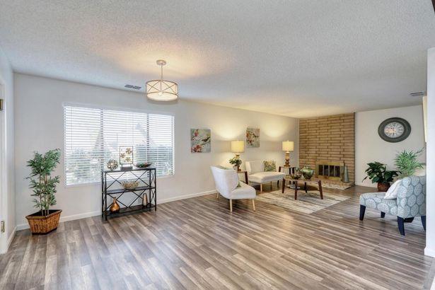 5317 Terrace Oak Circle