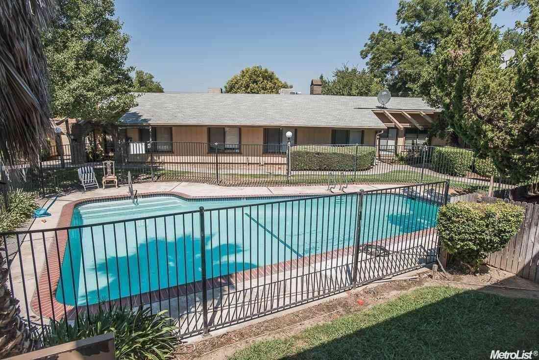1326 Oak Terrace Court #17, Sacramento, CA, 95825,