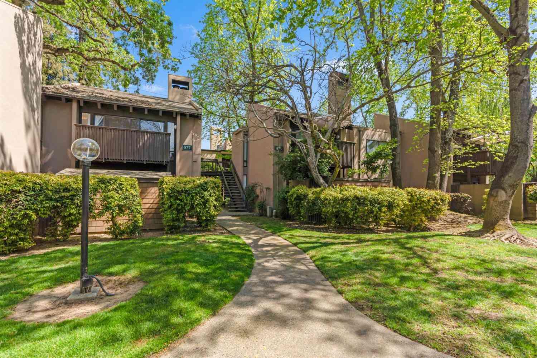877 Woodside Lane East #12, Sacramento, CA, 95825,