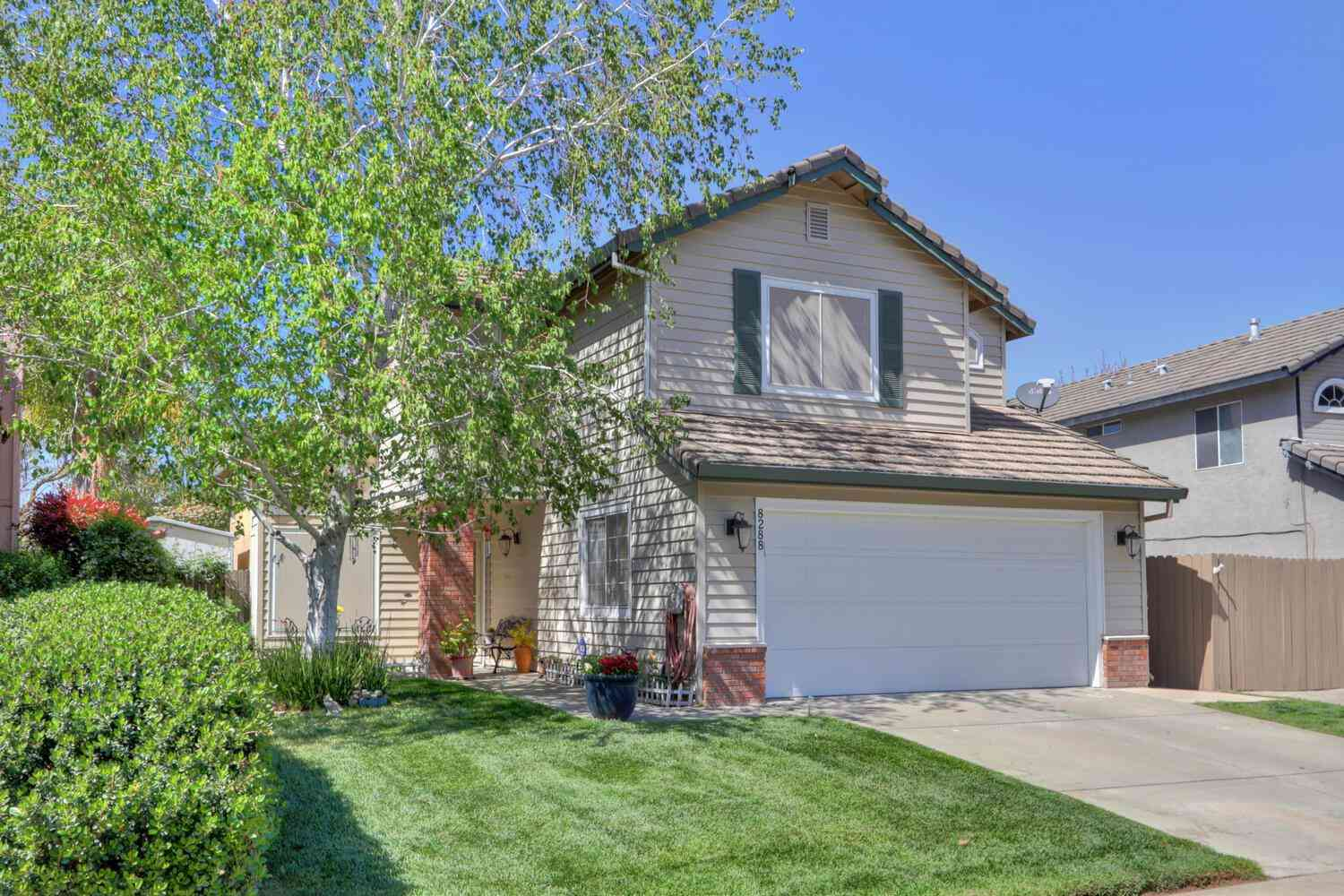 8288 Red Fox Way, Elk Grove, CA, 95758,