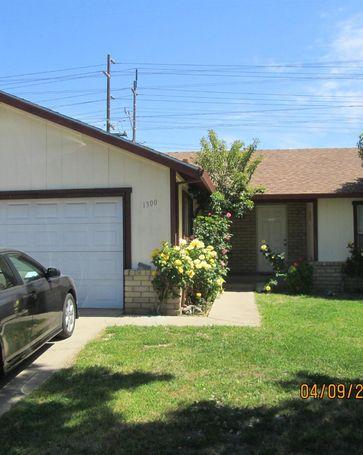 1300 Guiseppe Lane Modesto, CA, 95355