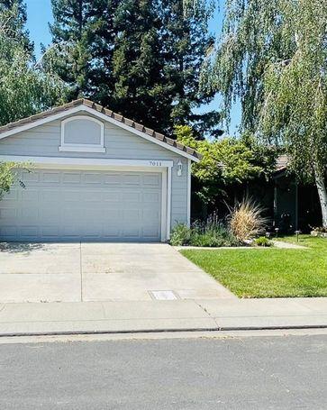 7011 Royal Links Drive Riverbank, CA, 95367